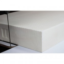 Block of 100% natural latex, 18 cm thick, firmness medium.